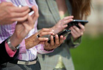 Cep Telefonları Kansere Neden Oluyor Mu?